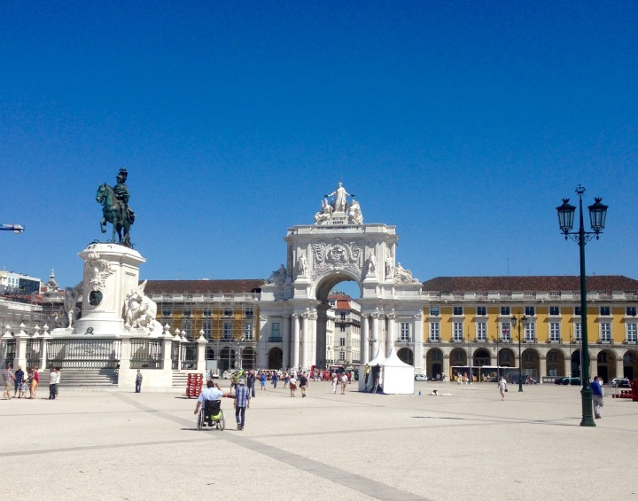 The Ultimate Travel Guide to Lisbon,Portugal