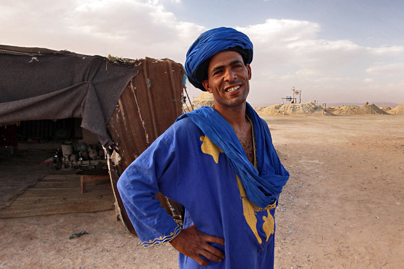 Moroccan desert blue man.jpg
